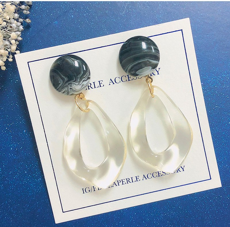 The black Earrings Ear Clip Wedding Bridesmaid gifts  Birthday