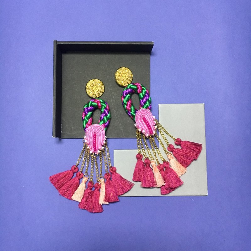 earrings : ring tassel pink