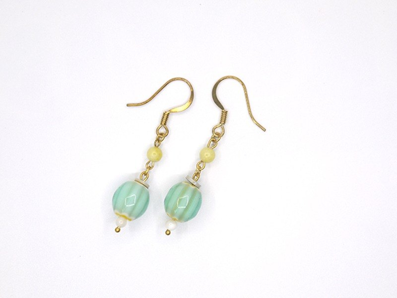 Glass pearl chalcedony earrings (for folder)