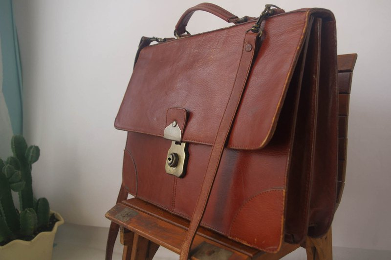 Nordic vintage antiques bag - 60 years leather neutral section briefcase