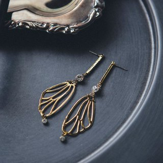 COR-DATE- Butterfly Line Hanging Earrings