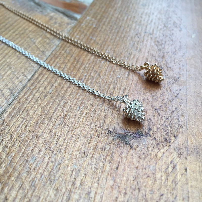 Alice beard small stars - small pine fruit ★ copper gold-plated, silver necklace