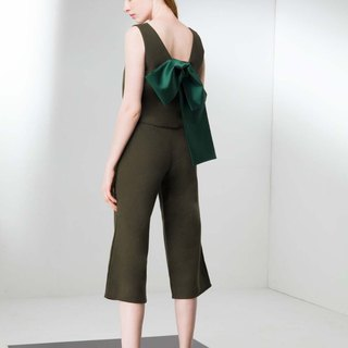 V-neck sleeveless sleeveless pant suit