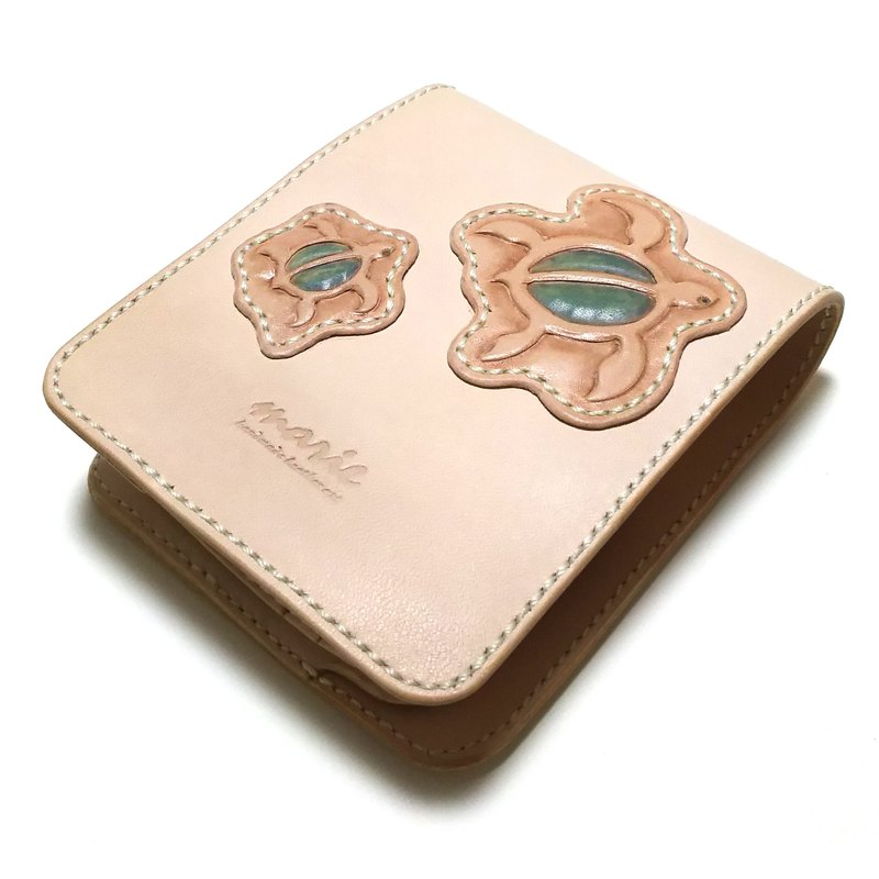 Marie / Mary leather made leather half wallet / turtle / double fold wallet / carving