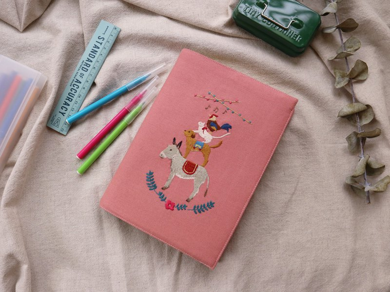 Hand-embroidered Bremen band cloth book log A5 left open