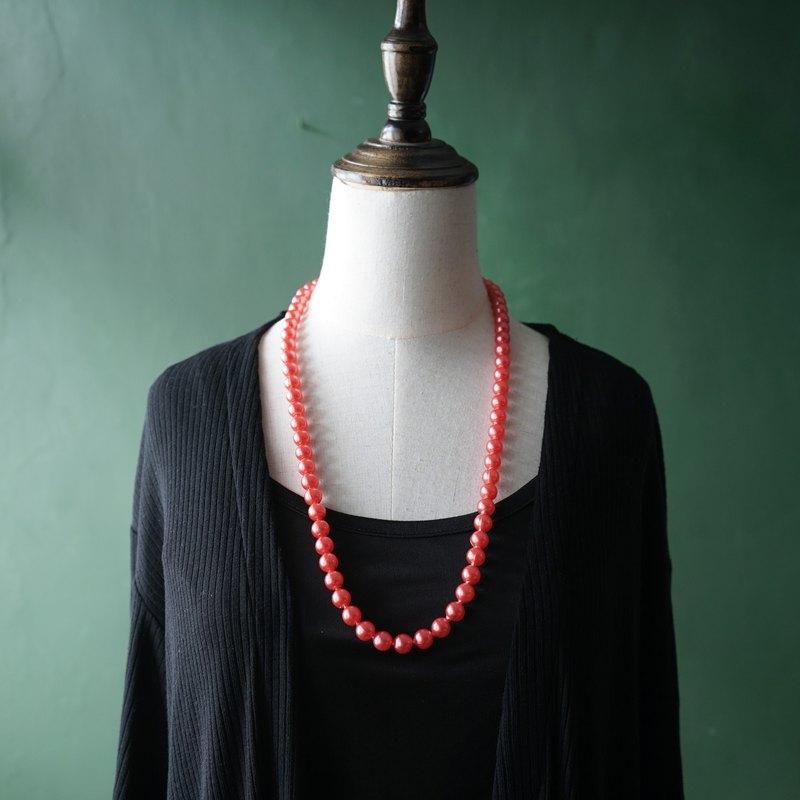 【古董飾品/西洋老件】VINTAGE淡紅色珠光塑膠串珠古著項鍊