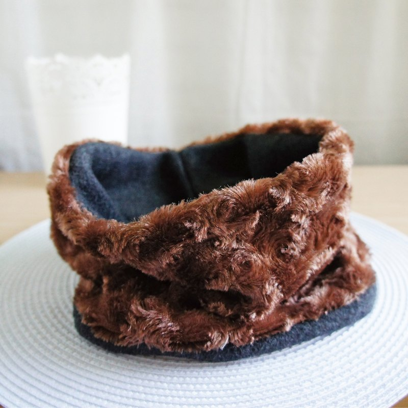 Lovely small rose fluff inside brush neck scarf double-sided available, chocolate