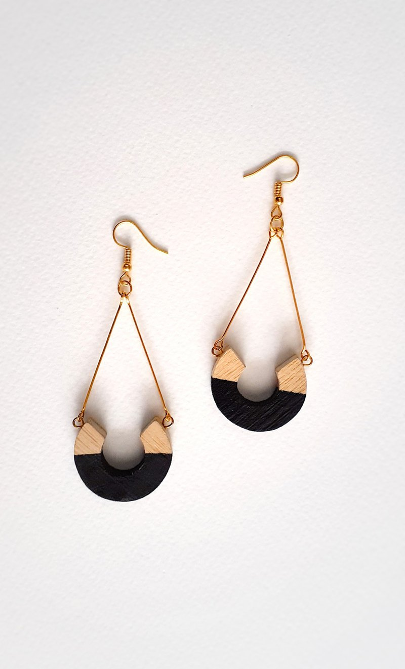 Wooden earring No.48