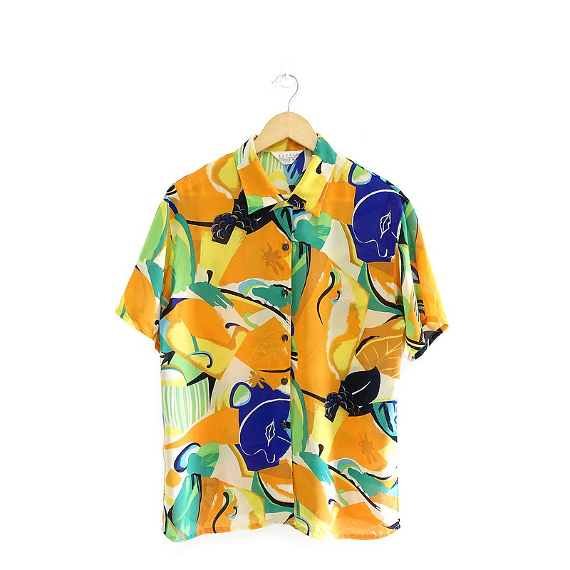 │Slowly│Tropical Fruit-Vintage Shirt│vintage. Vintage. Literature and art. Made in Japan