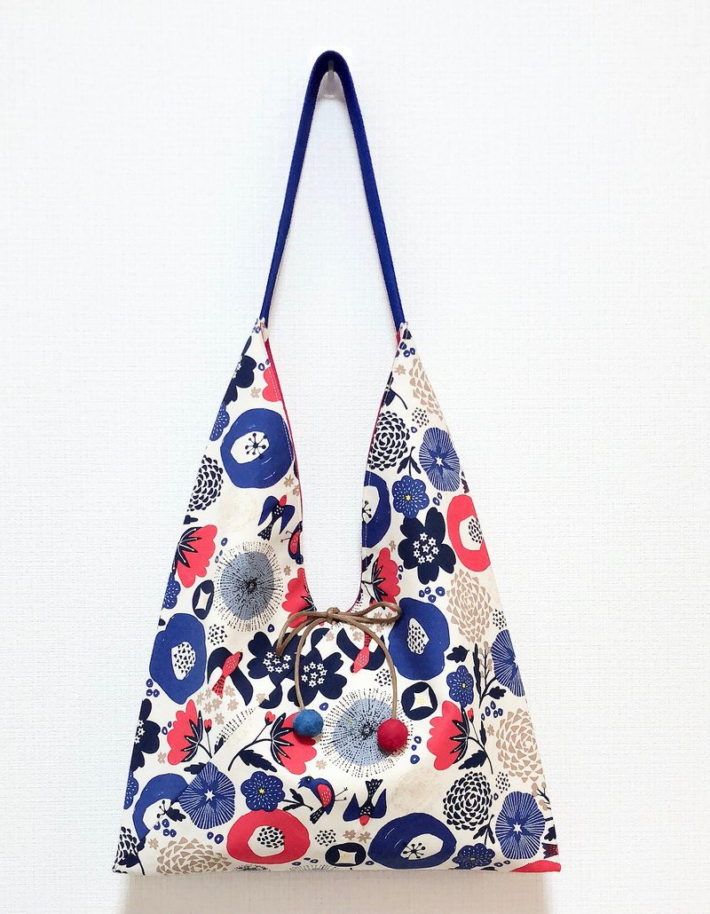 2019 spring / Japanese style side backpack / medium size / blue safflower / red round