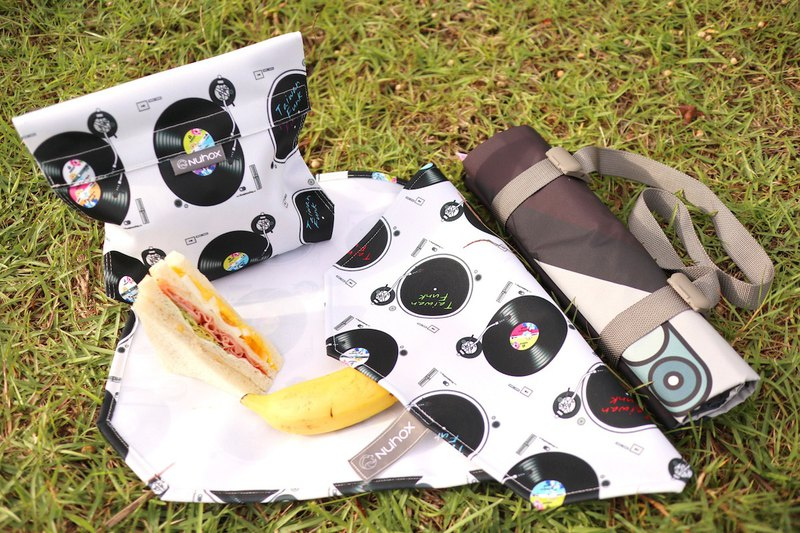 Taiwan singer music turntable food bag / cloth