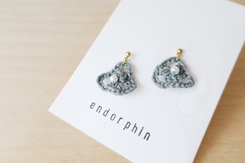 [endorphin] Embroidered woven pearl earrings