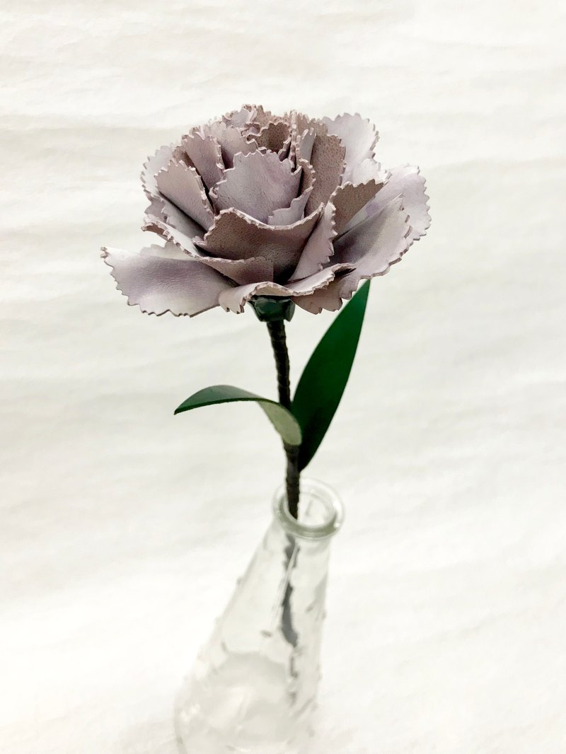 Frozen Lavender Leather Carnation
