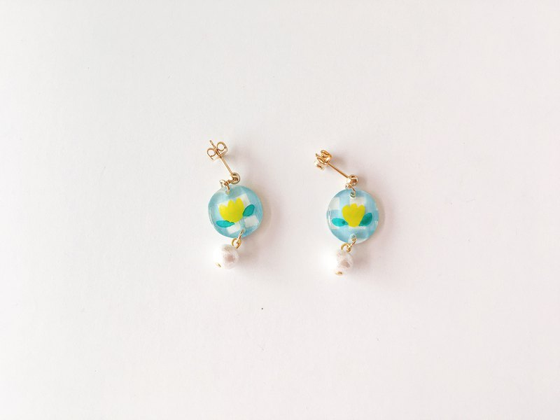 Flower field story series - small flower basket hand-painted draping handmade earrings ear pin / ear clip