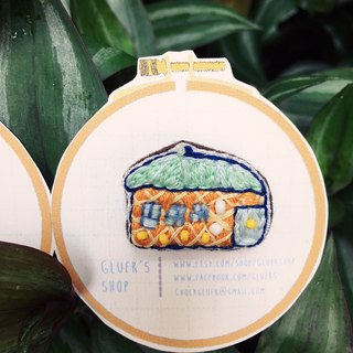 Embroidery brooch little house