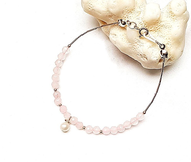 <Pet Love Series-Collection> Freshwater Pearl x Powder Crystal Cut Surface 925 Sterling Silver Bracelet Customized Gift