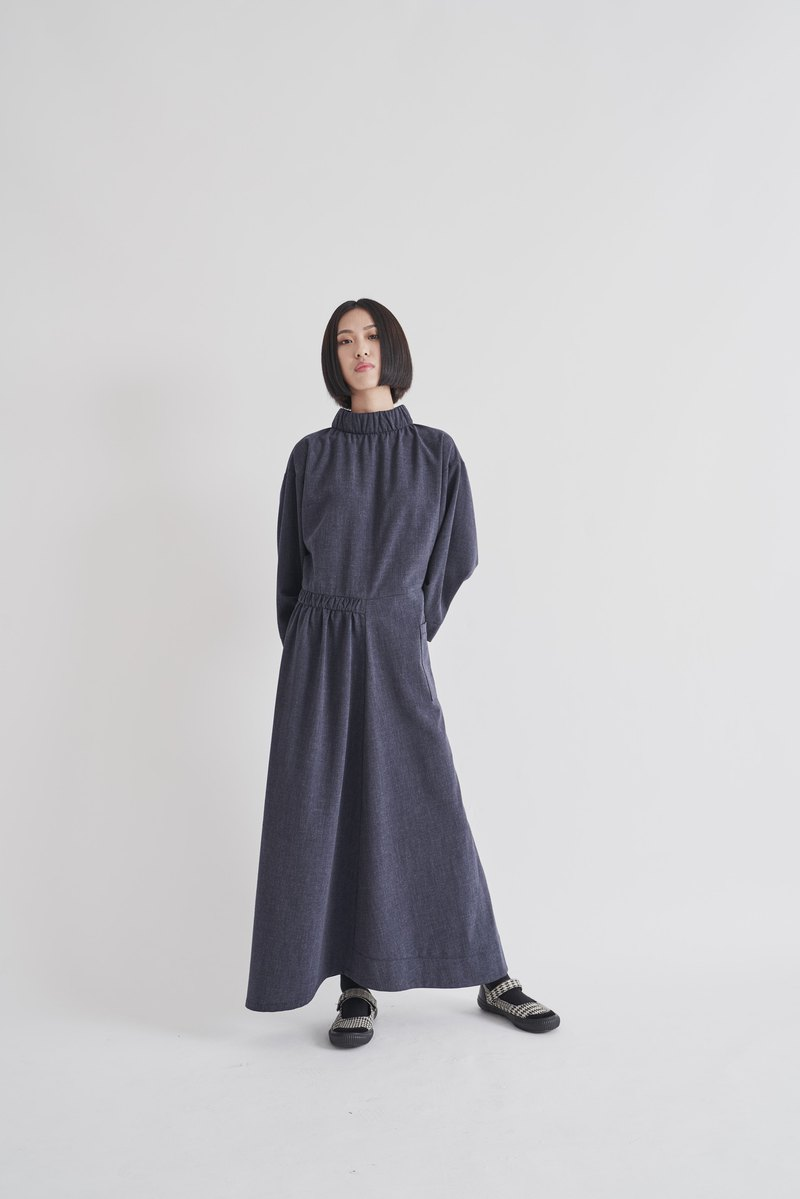 8 lie down . Wrinkled long dress