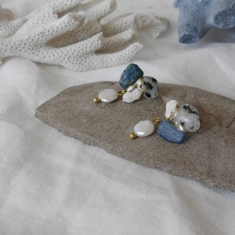 Jin Ji earrings ピアス / イヤリング | sea series no.63 blue pearl