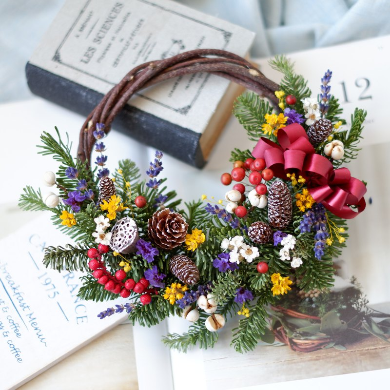 To be continued | Lively colorful Nobelson dry flower Christmas wreath spot