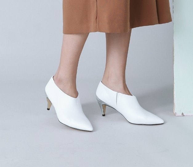 Minimalist color matching pointed leather low heel ankle boots silver