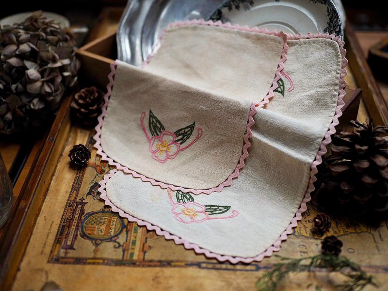 Hand-embroidered pink antique cloth / small tablecloth _ large single piece for sale