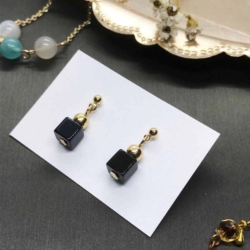 Noble gold jewellery stone square earrings