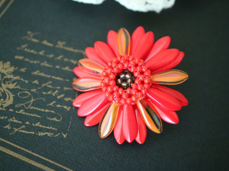 "Gerbera Brooch ""red & orange"""