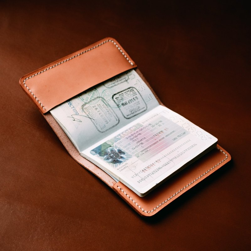 Leather Passport Cover/Leather Passport Holder Natural Vegetable Tanned
