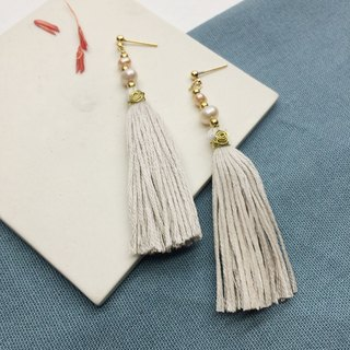 Laolin groceries l Japanese embroidery thread for tassels - Shanghai pearls gray white ear hook l ear pin l ear clip