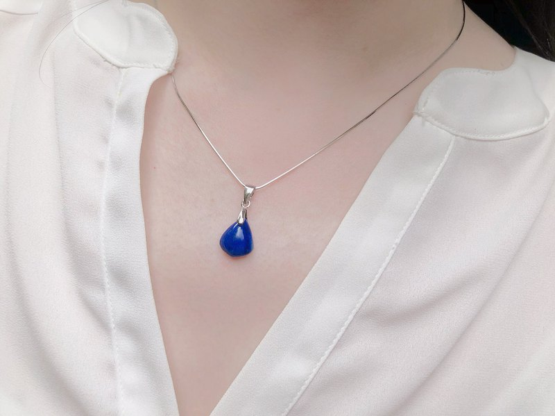 (Ofelia.) Only one natural super blue lapis lazuli / sterling silver necklace (J145) natural stone. Crystal