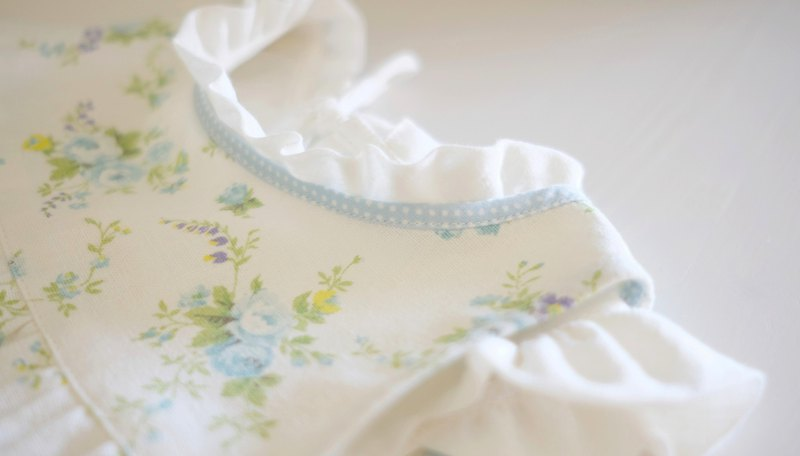 [Moon hand made 优雅] elegant small flowers ~ little baby dress apron