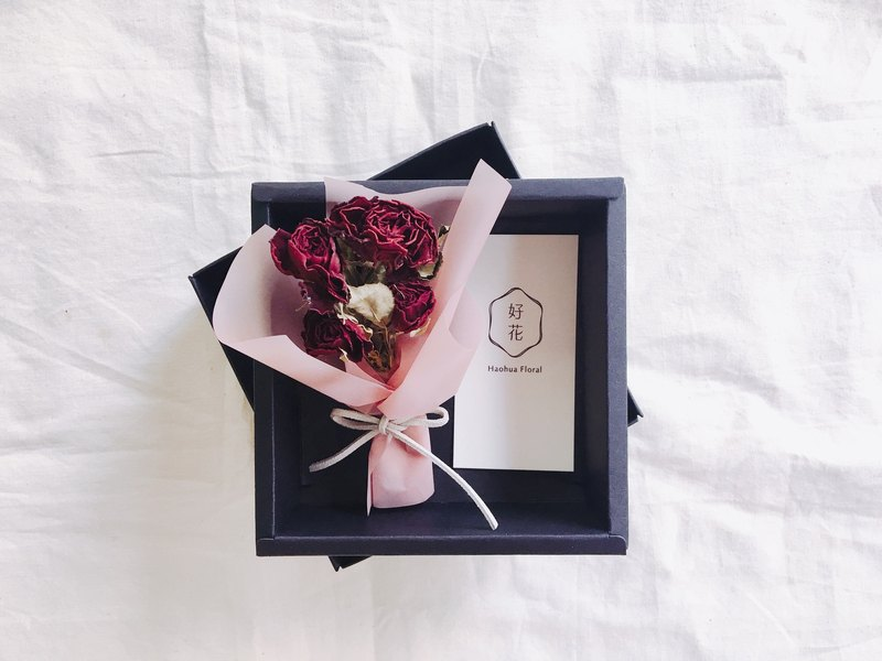 [good flower] dry rose mini bouquet Valentine's Day bouquet (single bundle with cowhide black card box) - red rose