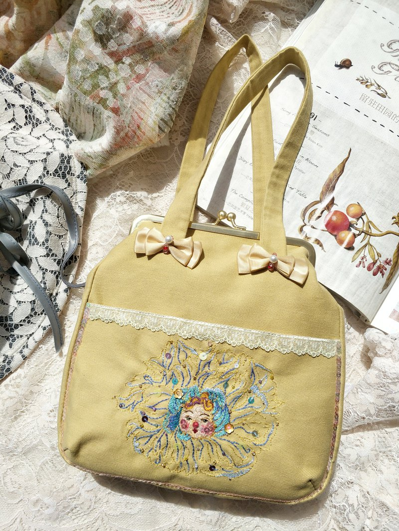 [Flower eats the girl] original cute oil painting embroidered mouth gold bag / handbag