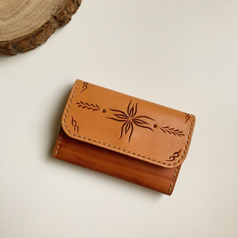 Show welfare products original hand dyed wood grain totem purse handmade leather carving