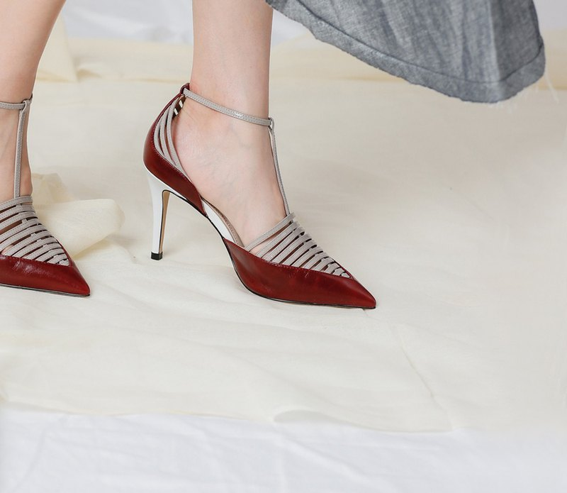 Fine with hollow around leather red heels
