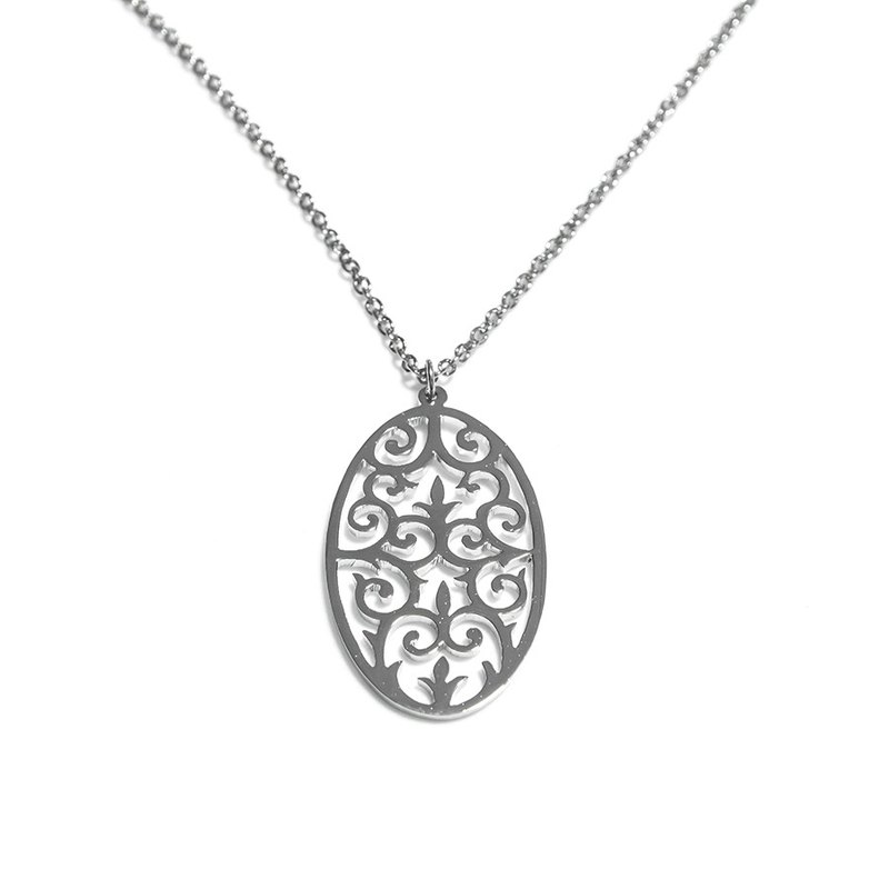 Decorative pattern in oval shape pendant