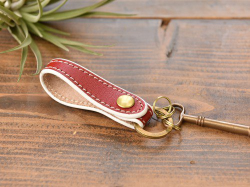 [Original] Cogocoro key ring made of beautiful leather with natural texture Red x White