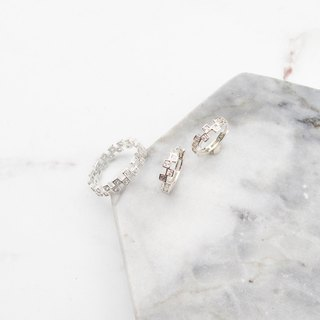 Bigman Taipa [exclusive selection] square diamond × zircon × bright x easy to buckle circle sterling silver earrings
