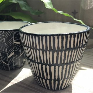 Black and white mediation - hand cup _ pottery cup