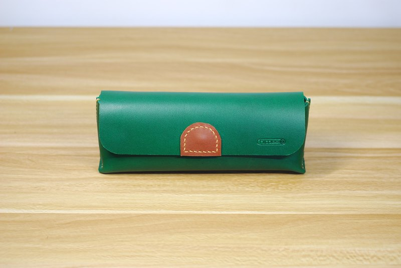 Universal bag leather hand stitched (green)