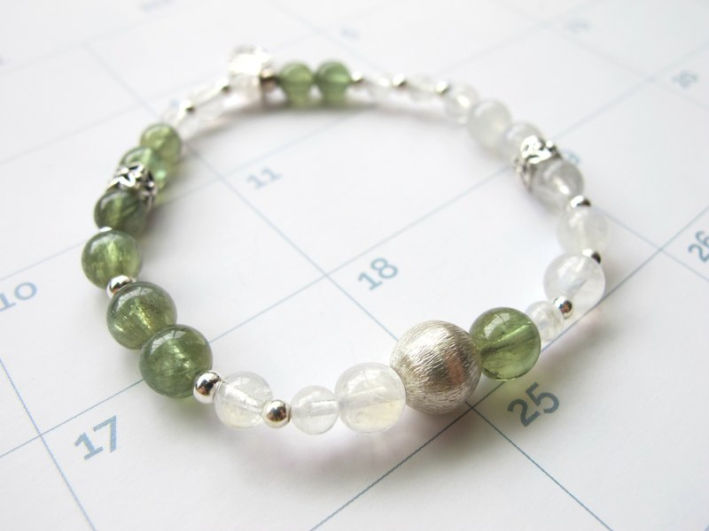 Green Phosphorus x Moonstone x 925 Silver [Dream Travel] - Calm and restrained series