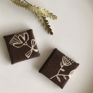 Cloth Hand Magnet - Dark Brown