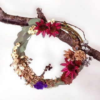 / Welcome small wreath / pineal dialogue with sun dried flowers hand-made door trim New Year festive New Year reunion arrangement