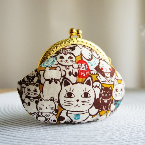 Lovely * Lucky Cat Yuanbao mouth gold bag * purse. Gold (Japanese cloth)