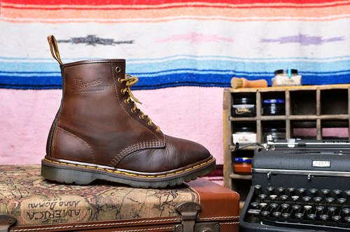 Vintage UK Dr. Martens 8-hole boots retro coffee