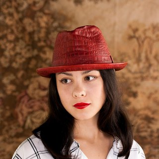 Early autumn - bright red crocodile embossed leather cap ITA BOTTEGA [Made in Italy]