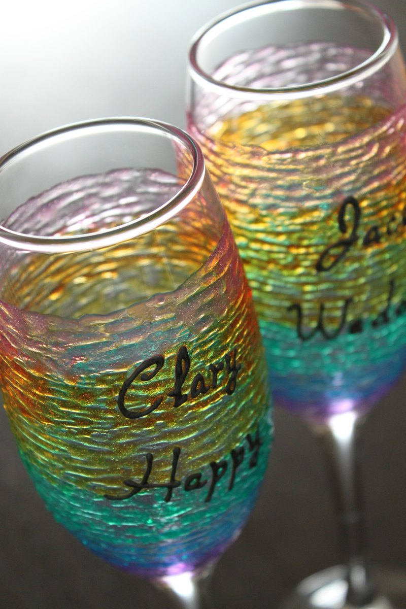Customized Rainbow Champagne Crate & Barrel Wine Glasses・Personalized Gift