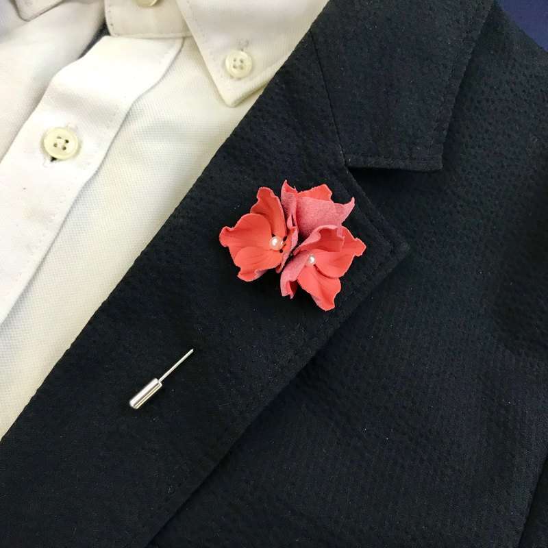 Living Coral Leather Hydrangea Pin