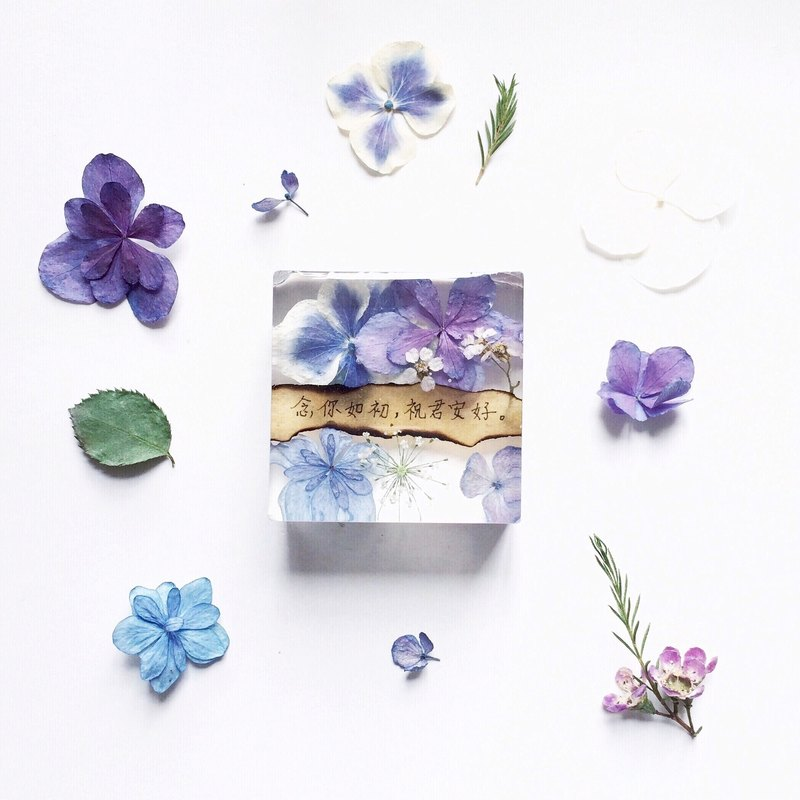 Dried flowers with Handwriting Decoration / Paper weight