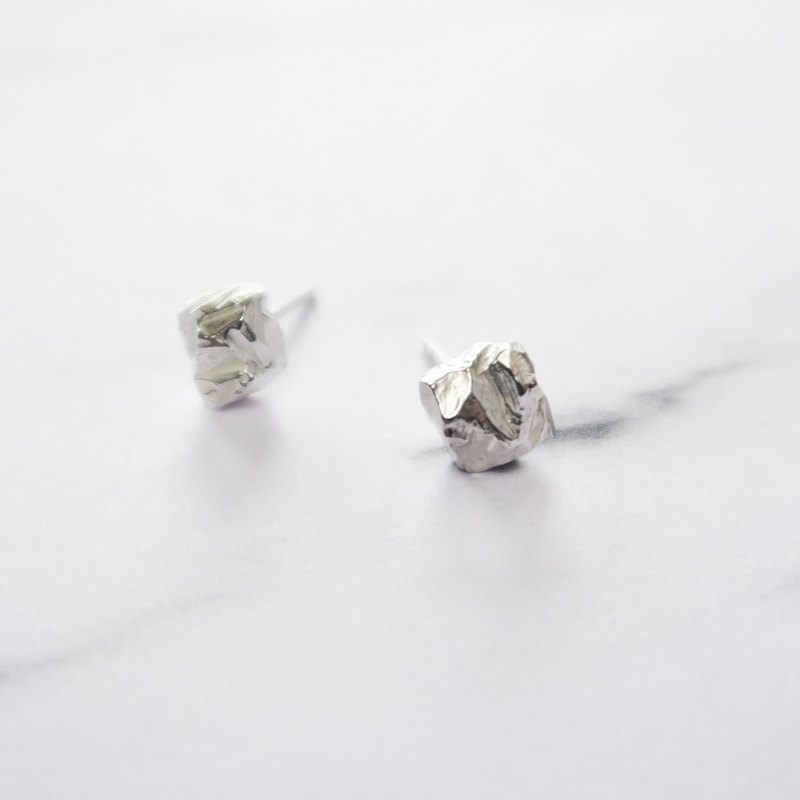 925 Silver Unsymmetrical Square Small Ore Earrings-Sold as a Pair